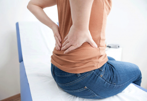 5 Penyebab Sakit Pinggang Belakang | Jeido - Alat Terapi ...